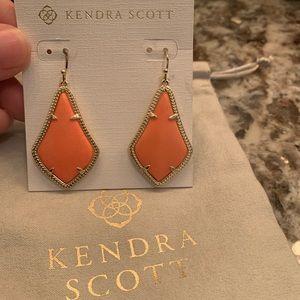 Kendra Scott Alex earnings